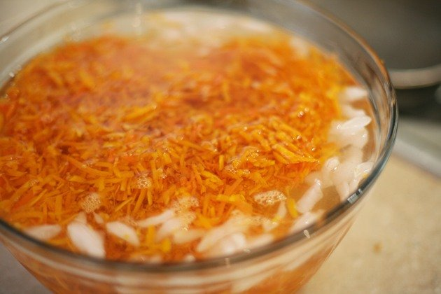 Here is how to freeze shredded carrots. I bagged them in portions according to my carrot cake recipe, defrosting is easy and they last a long time!