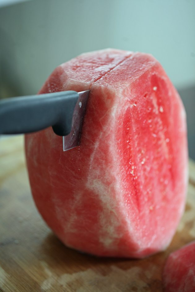 Here is an easy way to cut a watermelon!
