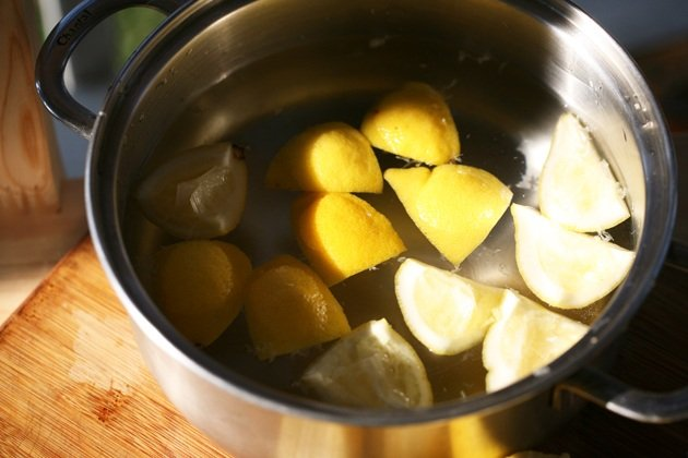 How to preserve lemon peel. This is a preserved lemon peel recipe using oil and salt. You can add preserved lemon rind to any chicken or fish dish or any sandwich, it's delicious and a really good way to use lemon peel. #preservedlemonrind #howtopreservelemonpeel #howtopreservelemonrind #lemonrindrecipes #preservedlemonpeel