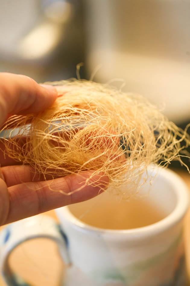 How to make corn silk tea and why you should drink it. It is super easy to make, it's another way to use corn, and it's very healthy for our body. Learn about corn silk tea benefits and how to make this simple home remedy. #herbalteas #herbaltearecipes #benefitsofherbaltea #tearemedies #diyherbaltea #remediesnatural #allnaturalremedies #diynaturalremedies #corn #cornrecipes #cornsilk #howtogrowcrn #highbloodpreasure #urinarytractinfection