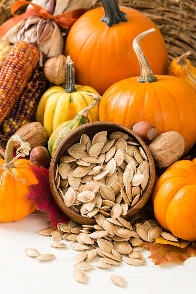 Discover 15 amazing pumpkin seeds health benefits. There are so many reasons why you should add pumpkin seeds to your diet! Lower the risk of diabetes, sleep better, prevent kidney stones, support the digestive system, and so much more! #seedspumpkin #pumpkinseedsbenefits #healthysnacks #pumpkinseedsnutrition #pumpkinseedshealth #pumpkinseeds #easysnacks #pumpkins #fallrecipes #falldishes #pumpkinseedsideas