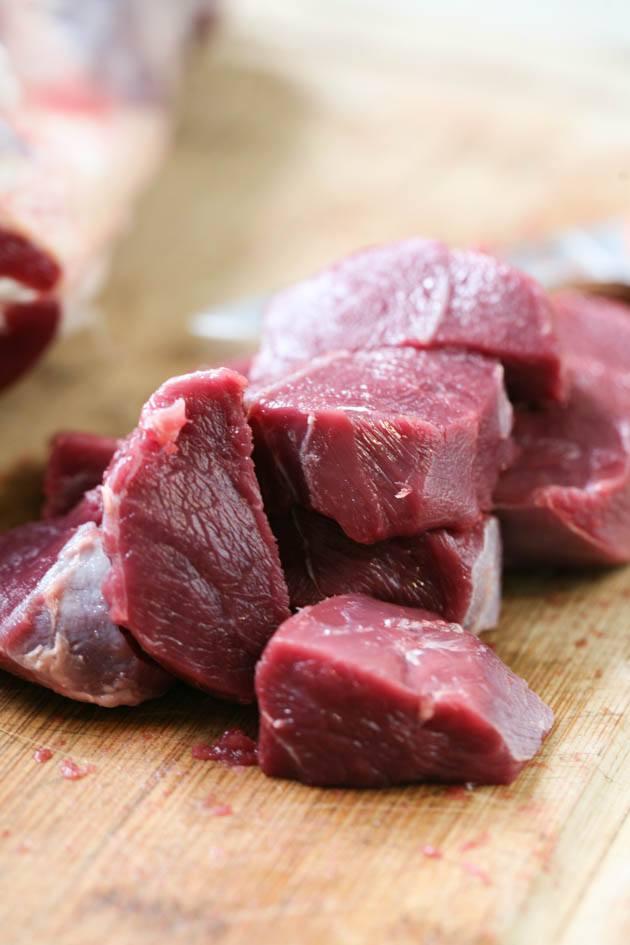 Cubbing meat