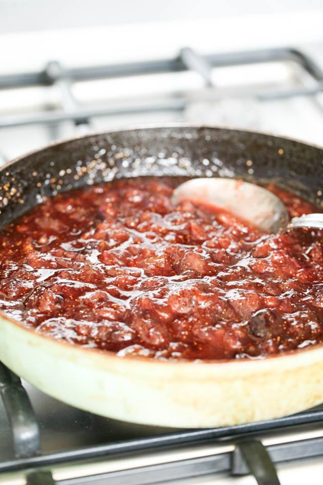 Low sugar fig jam ready in the pan.