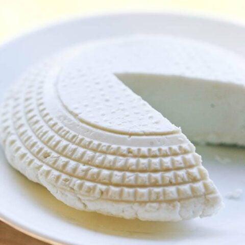 Easy Raw Milk Goat Cheese