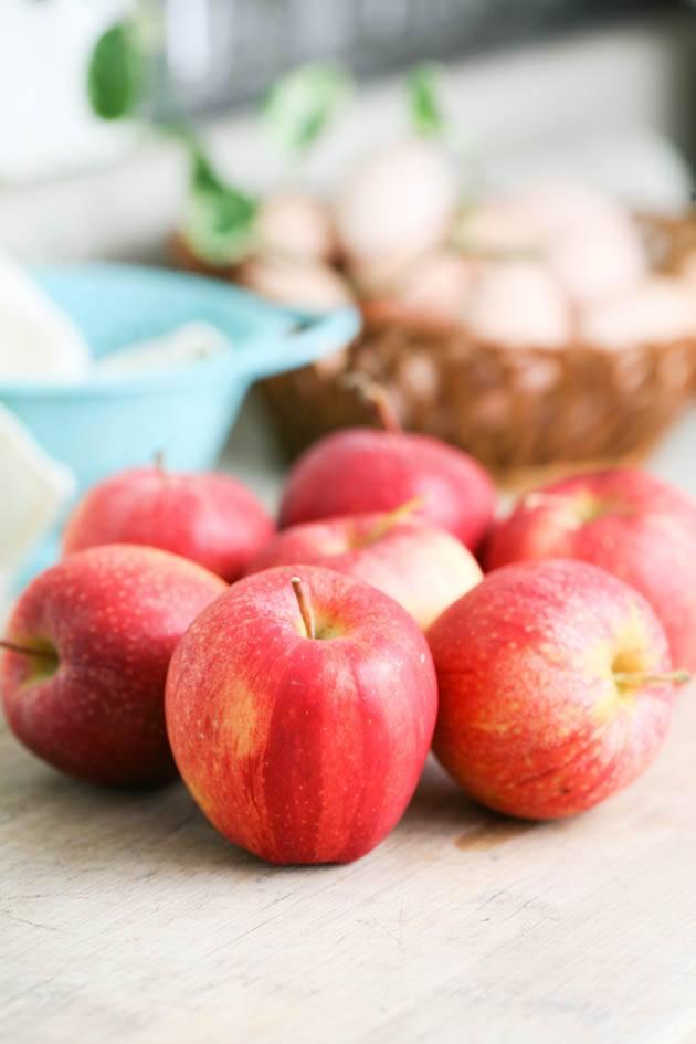Preparing and washing a few apples.