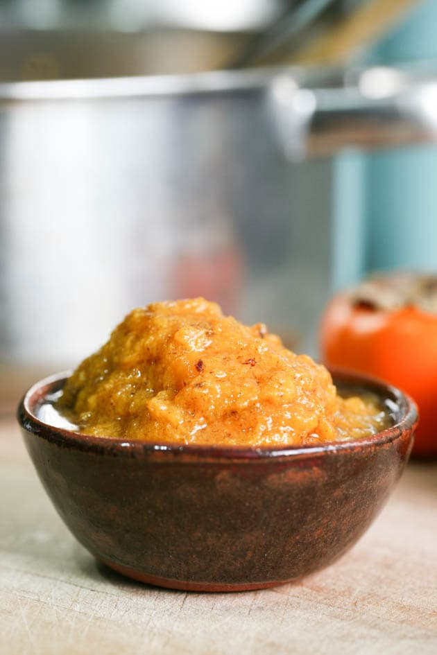 Persimmon jam recipe ready for serving.